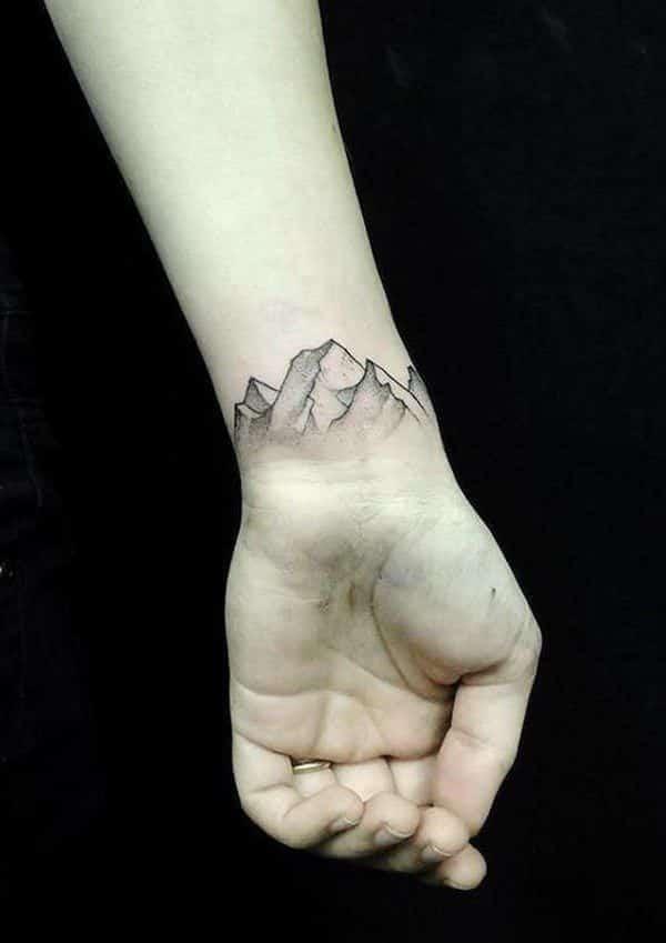 tatuaje de montañas