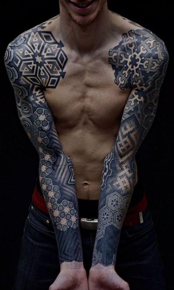 brazos completamente tatuados