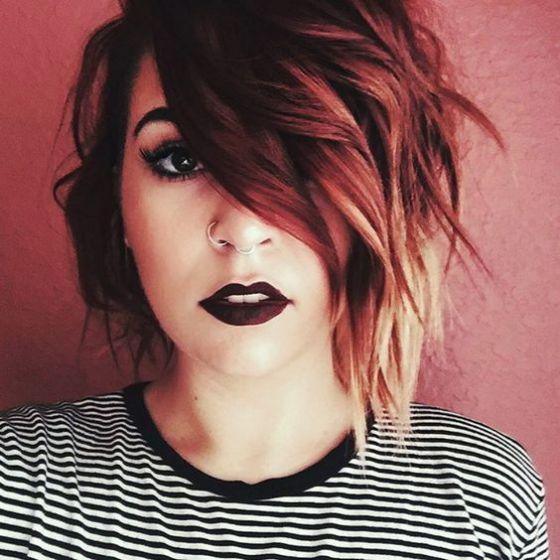 pelo corto color rojo
