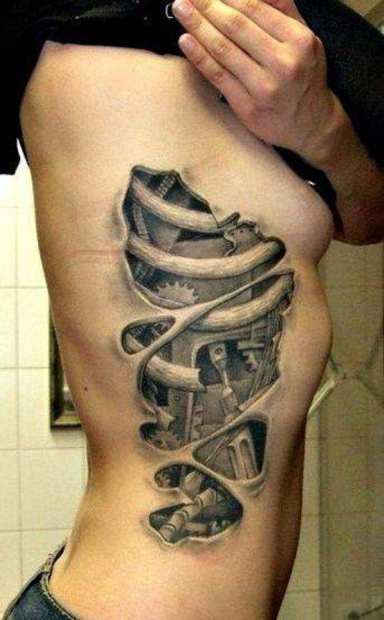 tatuaje al costado en 3d