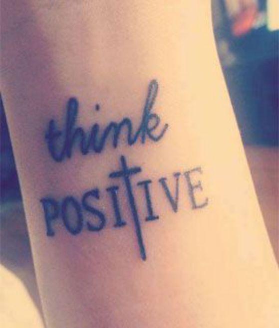 tatuaje en el brazo con letras