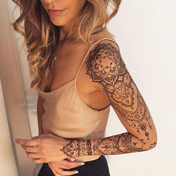 tatuaje en el brazo simbolos