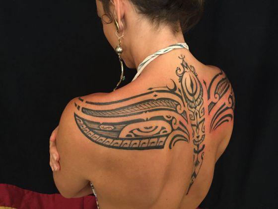 tribal en la espalda