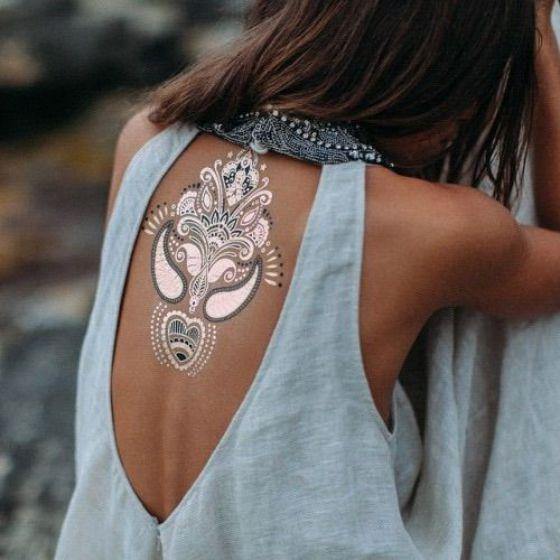 tatuajes dorados de sticker