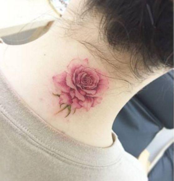 rosa en el cuello tattoo
